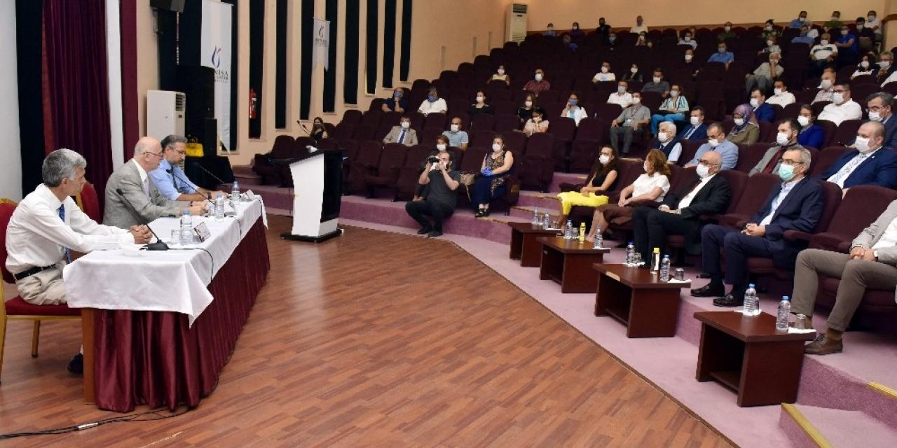 Manisa CBÜ'den 15 Temmuz paneli