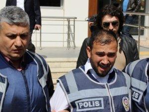 Gaziantep'te 9 kişiyi katladen Yusuf Taş,  emniyetten çıkarken sinir krizi geçirdi