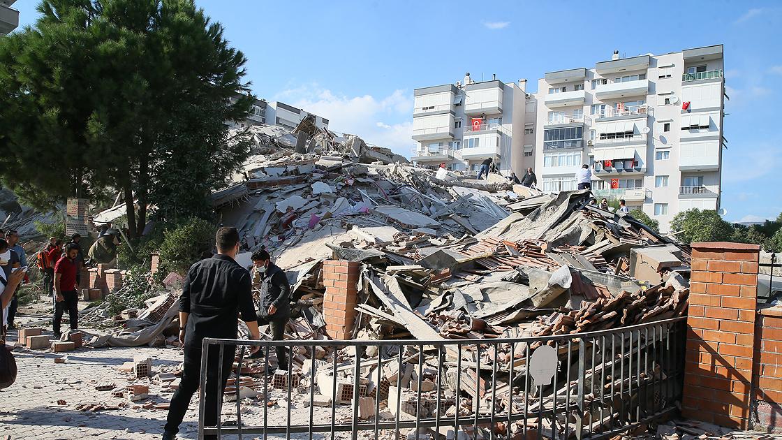 AFAD, İzmir depremindeki son durumu açıkladı: 17 ölü,763 yaralı