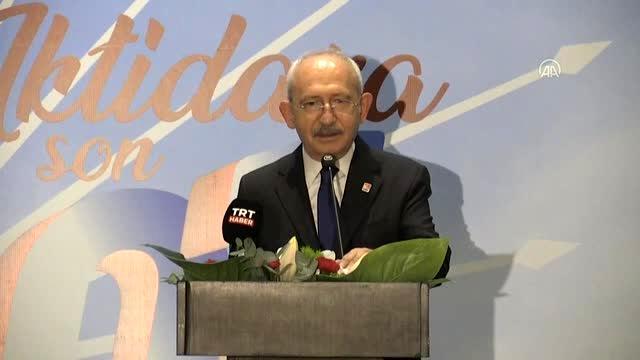 Kılıçdaroğlu CHP'ye katılan yeni üyelere rozet takma töreninde konuştu