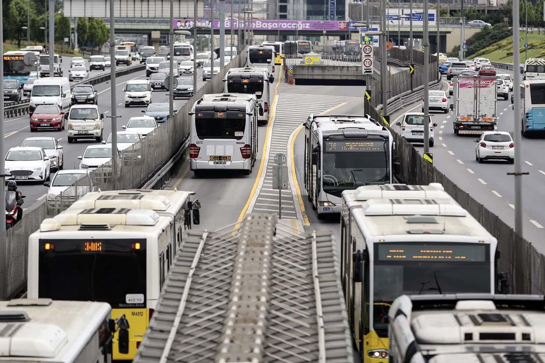 Hafta sonu otobüsler çalışıyor mu İstanbul 2021 ? Sokağa çıkma yasağında Marmaray, metro ve dolmuşlar çalışacak mı?