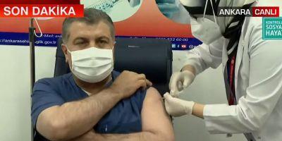 Son dakika haberi... Onay sonrası ilk aşıyı Bakan Koca yaptırdı