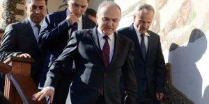 Bakan Özlü, havaalanını Bakan Arslan ile görüşecek