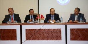 Vali Ali Hamza Pehlivan, Aydıntepe'de muhtarlar ile toplantı gerçekleştirdi