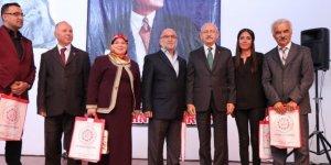 CHP Genel Başkanı Kemal Kılıçdaroğlu, Bakan Kurtulmuş'u yaptığı konuşması nedeniyle tebrik etti