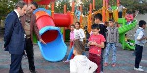 TOKİ konutlarına çocuk oyun grubu kuruldu