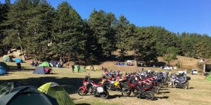 Motorsiklet tutkunları Gölcük Yörük Yaylası'nda buluştu