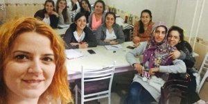 Altıntaş'ta 25 kursiyer İngilizce öğreniyor