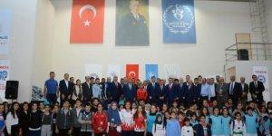 Burdur'da başarılı sporcular ödüllendirildi