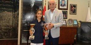 Balkan şampiyonundan Başkan Seyfi Dingil'e ziyaret