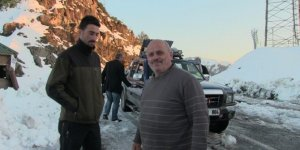 Artvin'de kar yağışı hayatı olumsuz yönde etkiledi