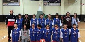 Özel Sanko Okullları kız basketbol takımı il ikincisi oldu