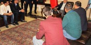 Başbakan Yıldırım gazeteciler gününü unutmadı