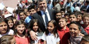 Konya Büyükşehir'in eğitim yardımı başvuruları devam ediyor