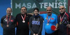 Pendik'te Medya Masa Tenisi Turnuvası