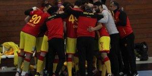 Challenge Cup: AEK: 32 - Göztepe: 23