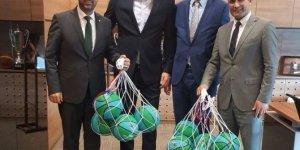 Hidayet Türkoğlu, İzmit'te basketbol topu dağıtacak