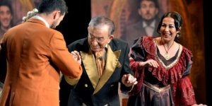Karşıyaka'da tiyatro şöleni başlıyor