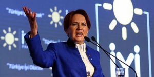 """Meral Akşener Sert Konuştu """"Bu Racona Uymaz Hepiniz Korkak Tavuksunuz"""""""