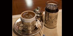 Türk Kahvesinin Yanında Neden Su İkram Edilir   Önce Su mu İçilir Kahve mi