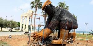 Mersin'de dev boyutlarda botanik heykeller inşa ediliyor