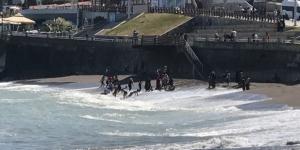 Fındık işçileri denizin tadını çıkarıyor