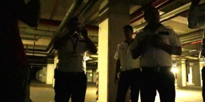 Youtuberlar AVM'de bir gece geçirmek isterken karakolluk olacaktı