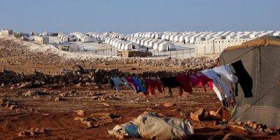 Halep'te mülteci kampına roket isabet etti: 10 ölü