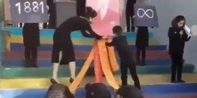 Okulda skandal! Öğrenciler Atatürk'e secde ettirildi...