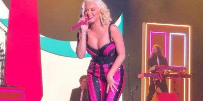 Katy Perry hayranlarına 'Selâmün aleyküm' dedi