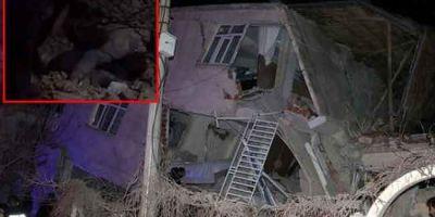 Elazığ'daki depremden acı görüntü! Çocukları için kendini siper etti