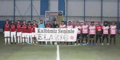 Elazığ depremi nedeniyle 23. dakikada maçı bırakıp dua ettiler