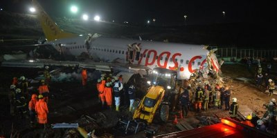 Yolcular Sabiha Gökçen'de yaşanan uçak kazasını anlattı