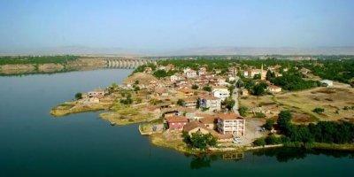 Elazığ depreminden sonra baraj gölü üzerindeki görüntü şaşırttı