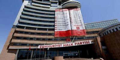 CHP'li başkan Erdem Gül, metresiyle yatak odasında basılmış