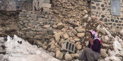 Van'da hissedilen 5,9'luk depremden geriye kalanlar yürek burktu