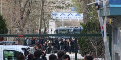 Yunanistan sınıra giriş çıkışları durdurdu! Ses bombaları atıyorlar...