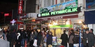 Sokağa çıkma yasağı başladı! Vatandaşlar yasak öncesi fırın ve marketlere akın etti