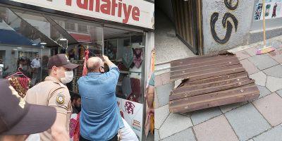 Artvin'de inanılmaz kaza! Çatı kapağının kırdığı camın altında kaldı