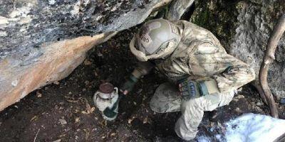 PKK'lı teröristlere ait sığınaklar imha edildi