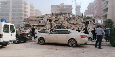 İzmir Seferihisar ilçesindeki depremden ilk görüntüler... Yıkılan binalar var