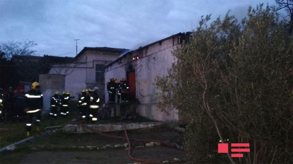 Bakü'de Korkunç Yangın! 30 Kişi Yanarak Öldü