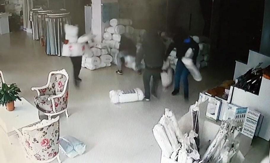 Pendik'te 1,5 Dakikada 25 Bin TL Hırsızlık