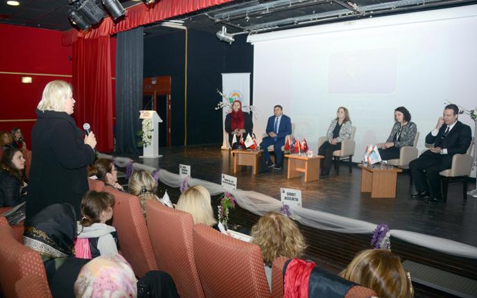 """Tuzla Kent Konseyi Kadın Meclisi, """"İş'te Kadın"""" Paneli Düzenledi"""