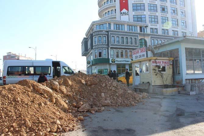 Köy garajının taşınmasını protesto ettiler