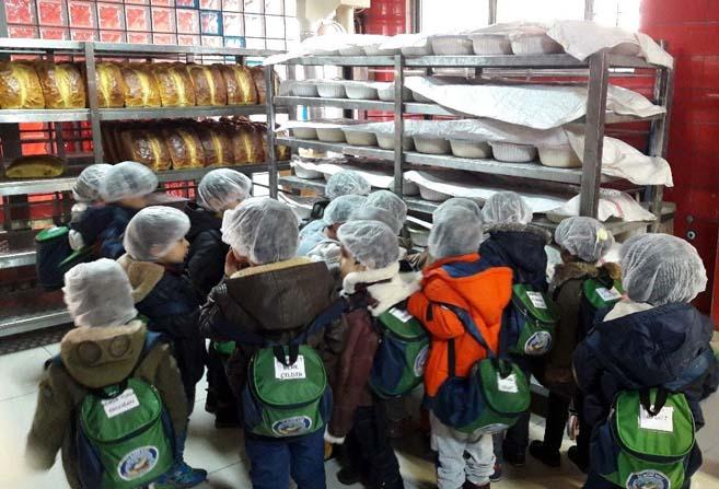 Nazilli'de anaokulu öğrencileri ekmek yapmayı öğrendi
