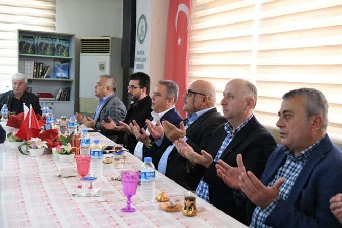 Başkan Böcek, Konyalılar'ın konuğu oldu
