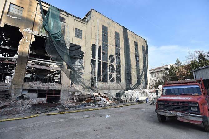 Maltepe havagazı fabrikası yıkılıyor