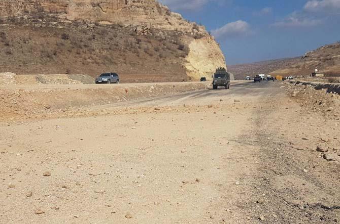 Mardin'de askeri aracın geçişi sırasında EYP patlatıldı
