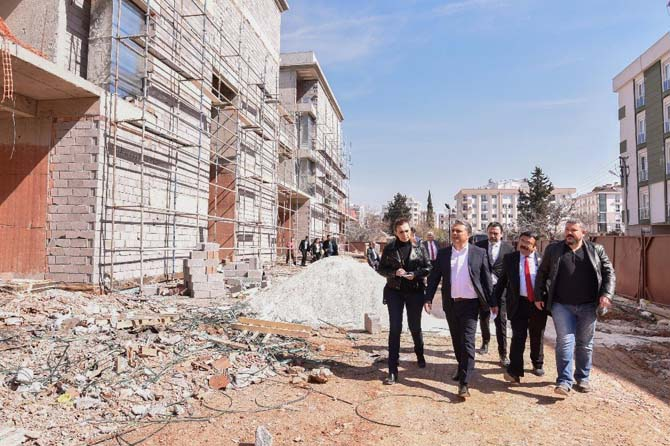 Başkan Uysal, STK Merkezini inceledi